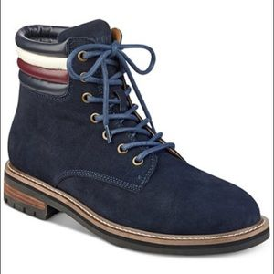 🎉New Tommy Hilfiger Lace- Up Lug Sole Boots